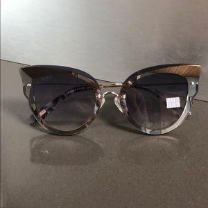 Diff mirror frame sunglasses 🕶